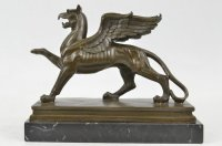 GRIFFIN BRONSE STATUE