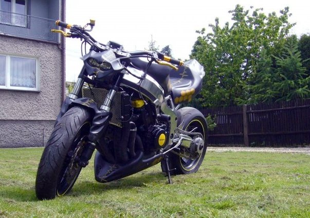 34 best images about streetfighter on Pinterest | Gsxr 750