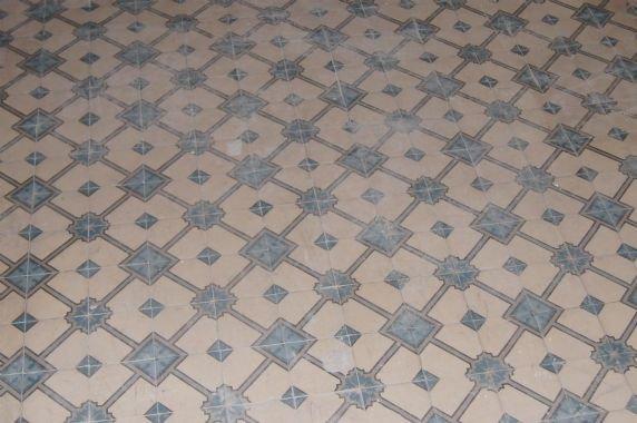 Oude antieke tegels vloertegels cementtegels vloer l te koop