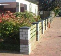 Betonnen pilaarhoedjes pilasterhoedjes en afdek muurplaten