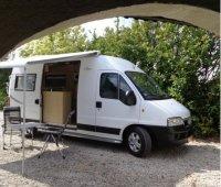 Aangeboden: Buscampers met vast bed € 495,-