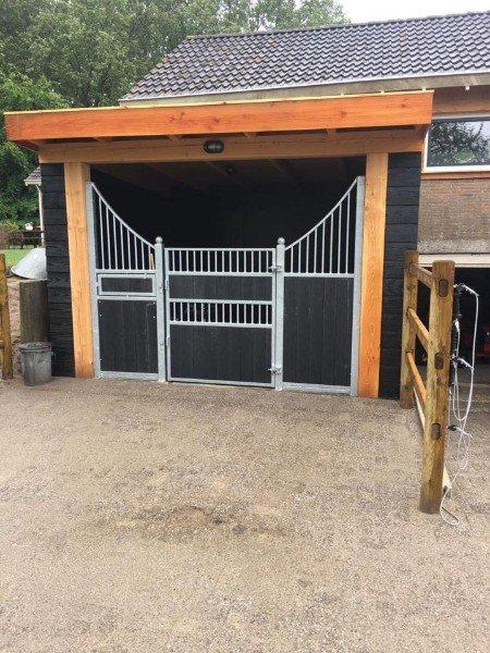 Voorwand tussenwand paardenbox te koop aangeboden op for Te koop woning met paardenstallen