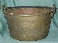 Grote antieke geel koperen pan