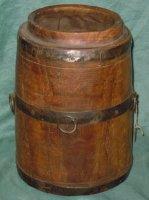 Soort houten vat voor melk uit