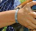 Vermoeid,pijn,stress magneet armband helpt