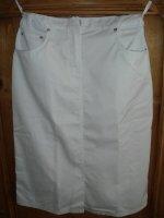 Te koop: 2 witte uniformrokken