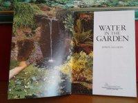 Water in garden( engelstalg)