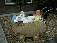 Zeeer oude kinderwagen, leuk om uw