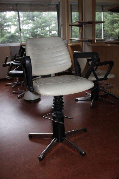 Kappersstoelen te koop aangeboden op for Keukenstoelen te koop