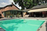Villa nabij Marche met overdekt zwembad