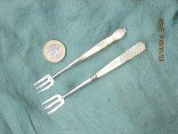 2 zilveren vorkjes met heft van