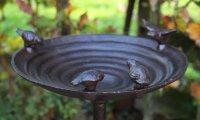 Gietijzeren vogelbad met 4 vogeltjes van