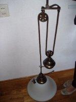 Aangeboden: Klassieke hanglamp en staande lamp € 50,-