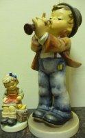 Groter Hummel beeldje beeld Goebel ;