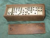 Domino hout met been in doos