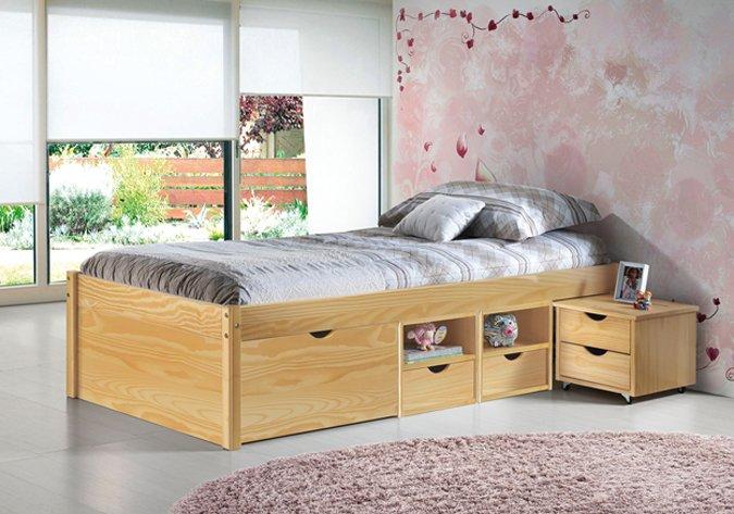 Massief grenen bed met opbergruimte en nachtkastje te koop