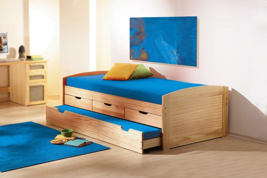Kinderbed Met Opbergruimte : Massief grenen bed met opbergruimte en nachtkastje te koop