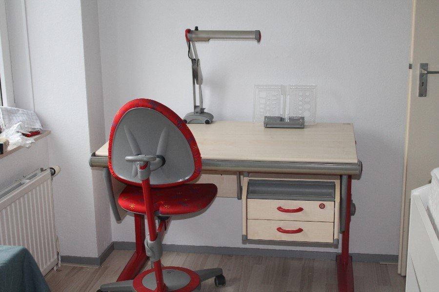 Bureau En Bureaustoel.Moll Bureau Bijbehorende Bureaustoel Te Koop Aangeboden Op