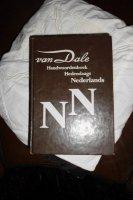 Van dale hand woordenboek nederlands