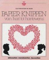 Papier knippen van hart tot hartewens