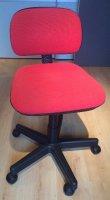 Bureaustoel met rode zitting