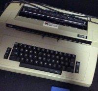 Te koop typemachine: Sierra 3300 (elektrisch)