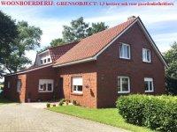 Weener-Duitsland. Woonboerderij, 1,3 hectare, weiland