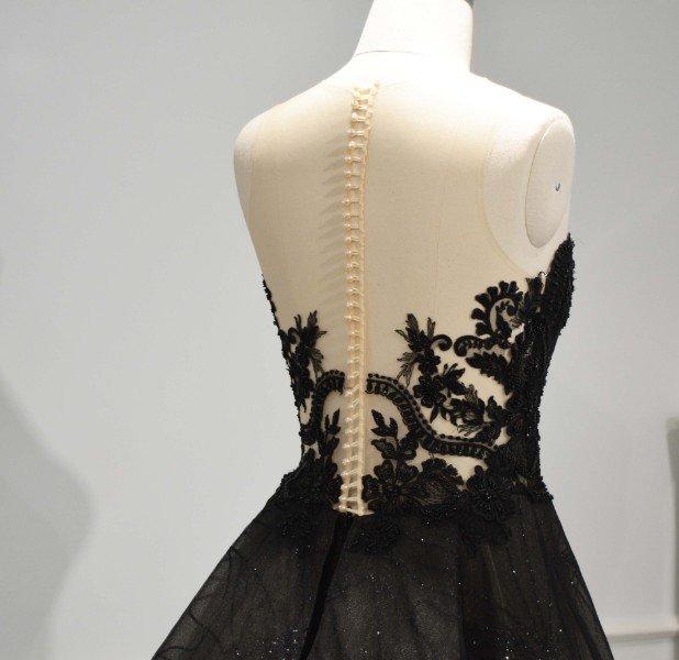 Zwarte Trouwjurk Te Koop.Schitterende Luxe Zwarte Trouwjurk Geheel Op Maat Gemaakt Te Koop