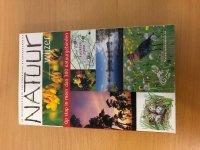 Natuurwijzer ( natuurmonumenten ) 300 natuurgebieden.