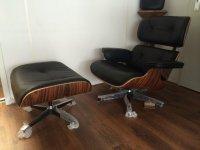 Aangeboden: Zwart rundlederen eames loungechair+voetenbank sets. Nieuw € 726,-