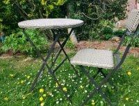 Tuinsetje: tafel en stoel