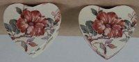 2 kartonen doosjes in hartvorm
