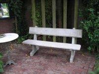 Aangeboden: Geheel betonnen tuinbank € 175,-