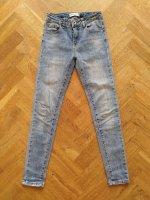 Aangeboden: Mini Mignon Denim - spijkerbroek /jeans - maat 12 /152 € 7,50