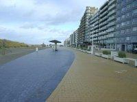 Vakantie zonnekant Nieuwpoort vlakbij zeedijk grote