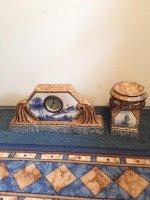 Antiek Klok met zijn decoraties ca