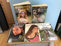Aangeboden: Roman paperback Briljant Howatch Couteaux Rogers etc t.e.a.b.