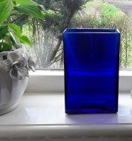 Blauwe glazen vaas