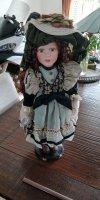 Aangeboden: Porseleinen pop voor verzamelaars € 35,-