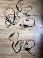 Aangeboden: 2 headsets € 10,-