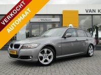 Aangeboden: BMW 3-Serie (e90) 2.0 318 I TOURING Automaat High Executive / Schuif-Kanteldak / Vol Leder / Trekhaak € 8.945,-